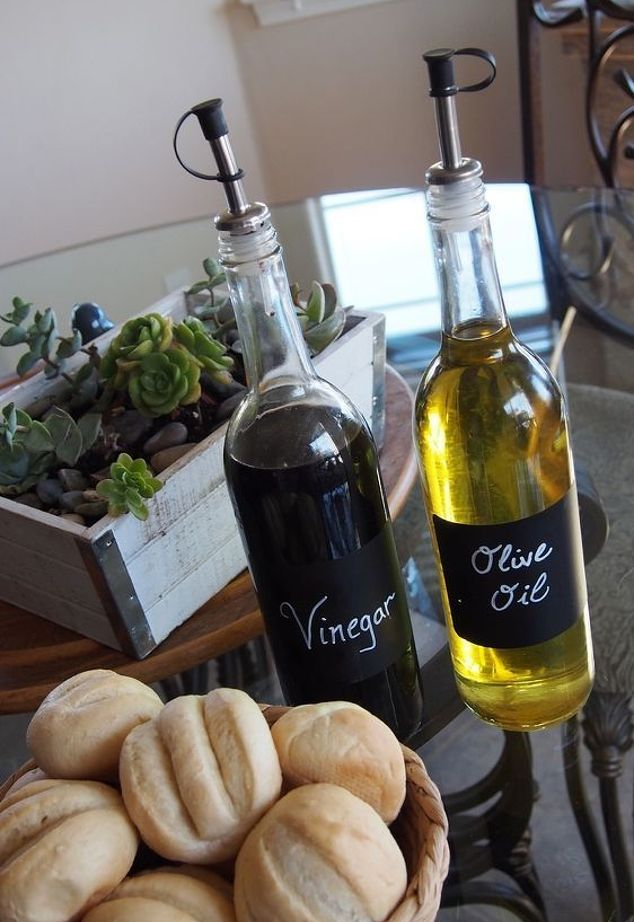 repurposing-empty-wine-bottles-into-olive-oil-balsamic-holders-chalkboard-paint-crafts-how-to